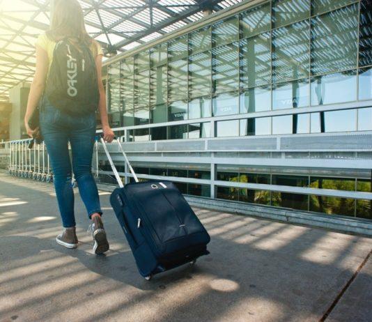 minimalist-traveling